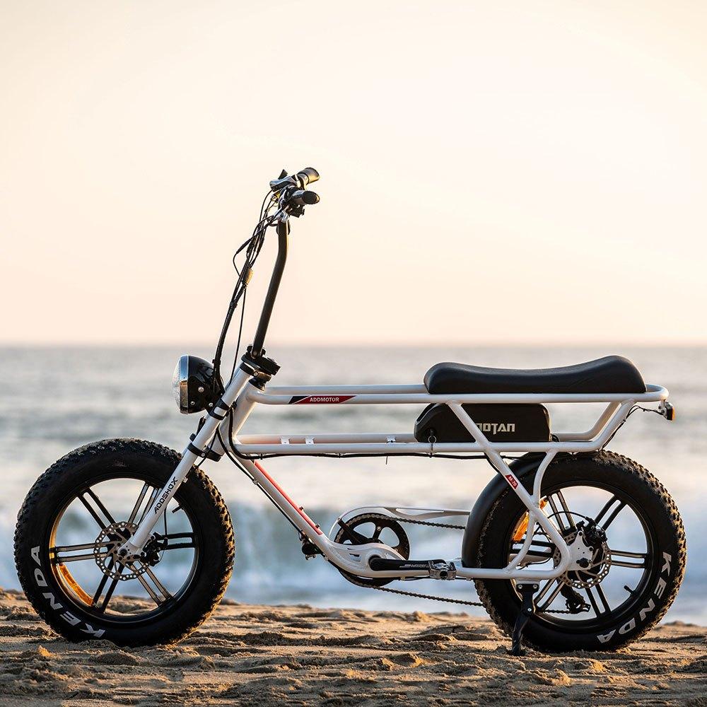Motan M-70 Electric Beach Cruiser Bike beach 1